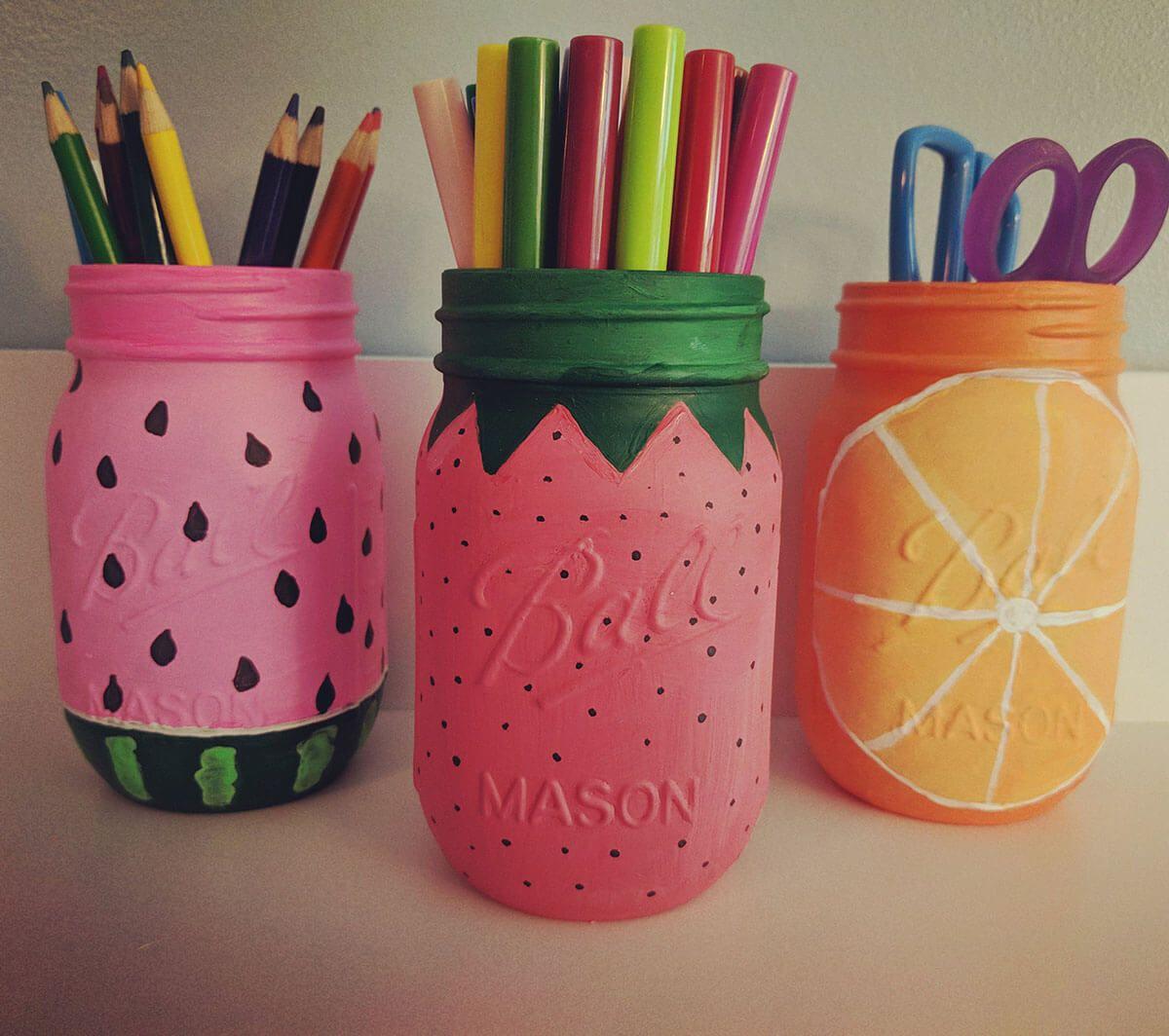 28 Fabulous Painted Mason Jar Ideas From Cutesy To Classic Mason Jar Decorations Mason Jar Art Easy Mason Jar Crafts