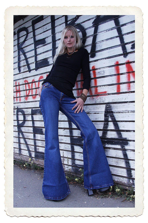 Star Paradise Der Name Ist Programm Mittelblaue Jeansschlaghose