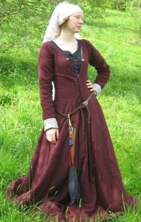 Stehfaltenkleid (1) | The Antique Tailoring | Mittelalter ...