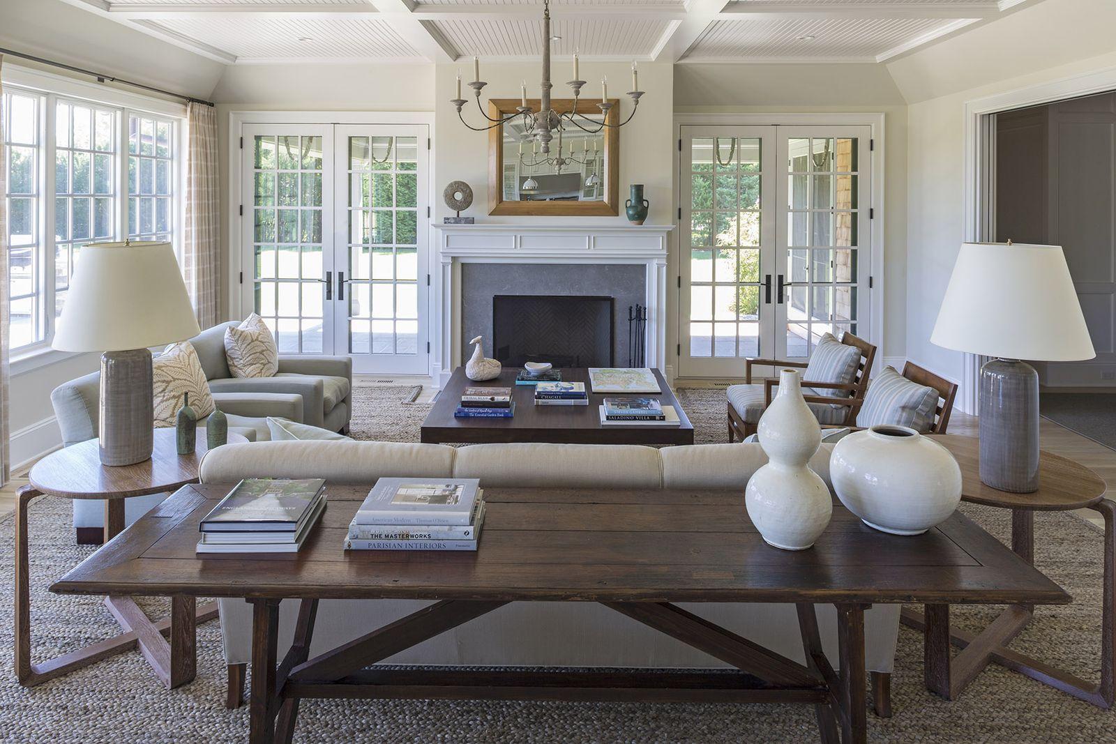 White on White - ELLEDecor.com in 2020 | Living room with ...