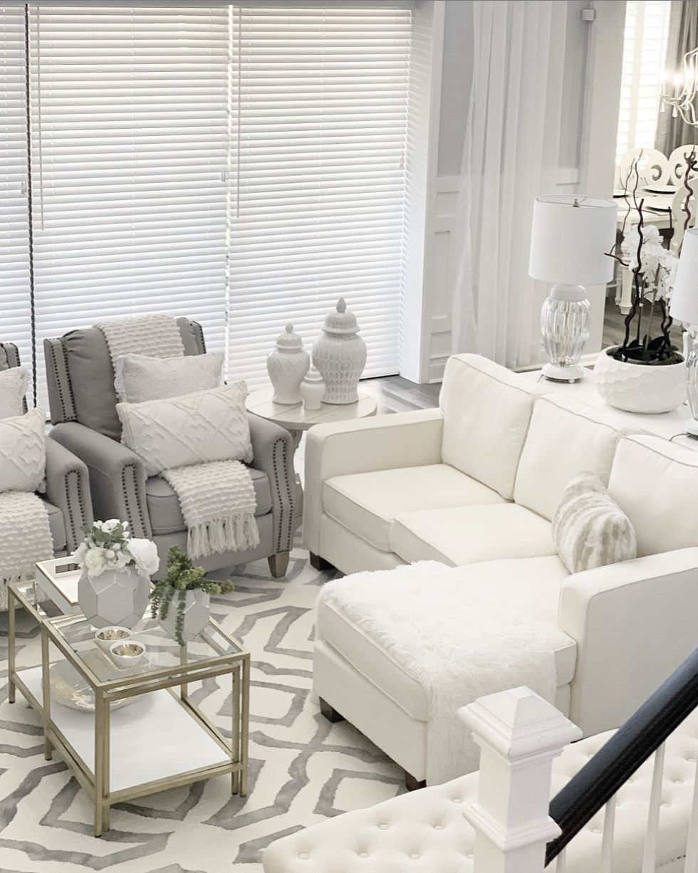 Pin By Freda Jackson On For The Home In 2020 White Home Decor Family Room Lighting Home Decor