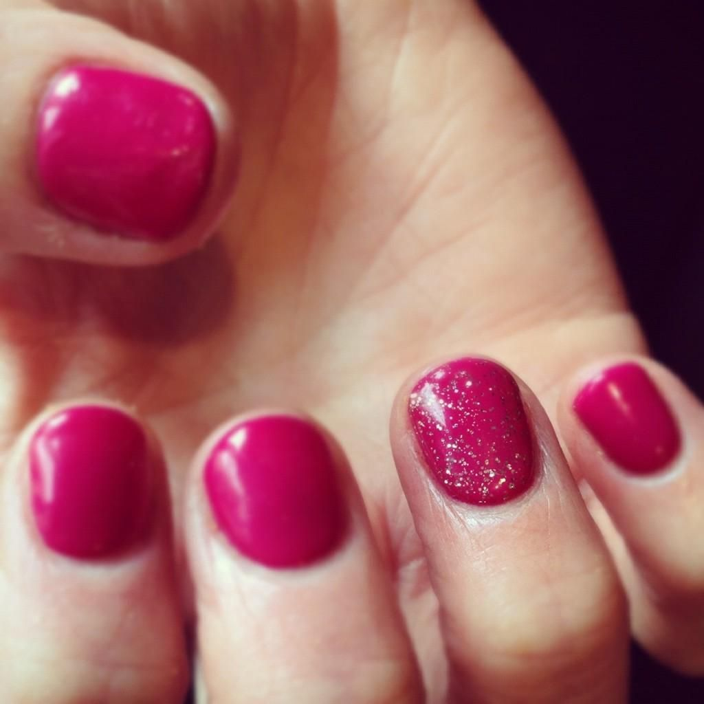 Sophia Stylianou on | Accent nails and Nail color designs