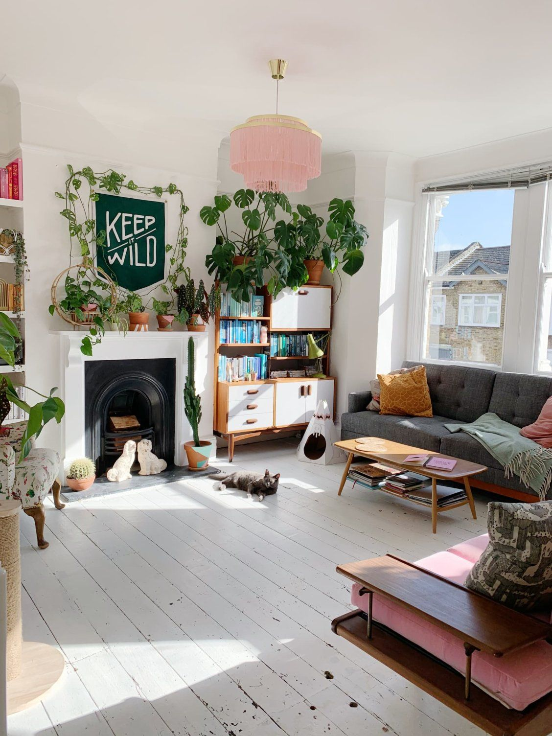 A Renovated London Flat Is Full Of Light Plants And A Playful Spirit In 2020 Living Room Office Space Eclectic Decor Vintage Home Decor