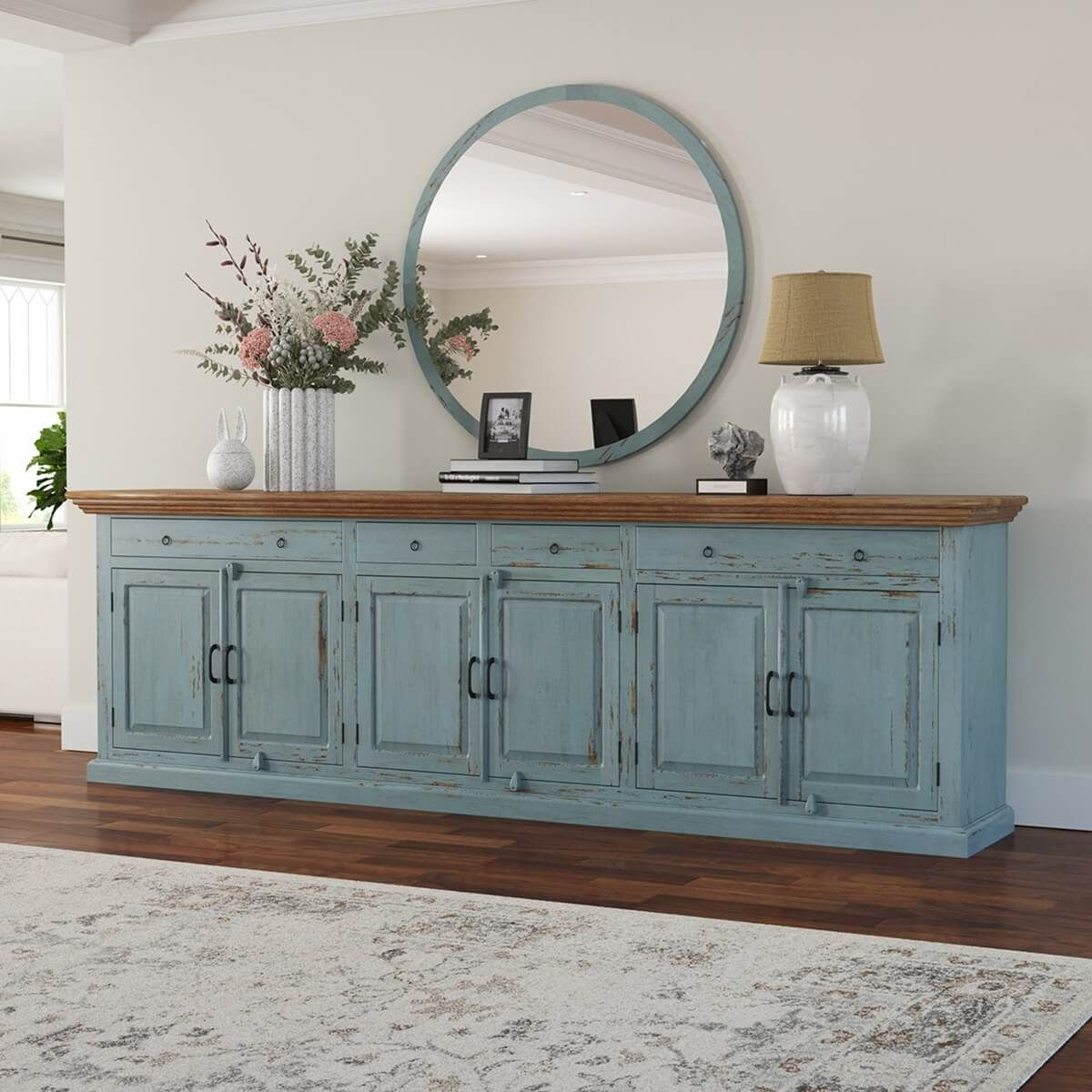 Pin By Nina Montes On Decoracion In 2021 Sideboard Decor Dining Room Dinning Room Buffet Dining Room Sideboard