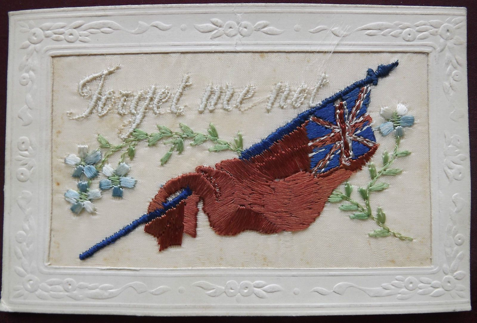 WW1 PATRIOTIC EMBROIDERED SILK POSTCARD. Forget me not. Large flag ...
