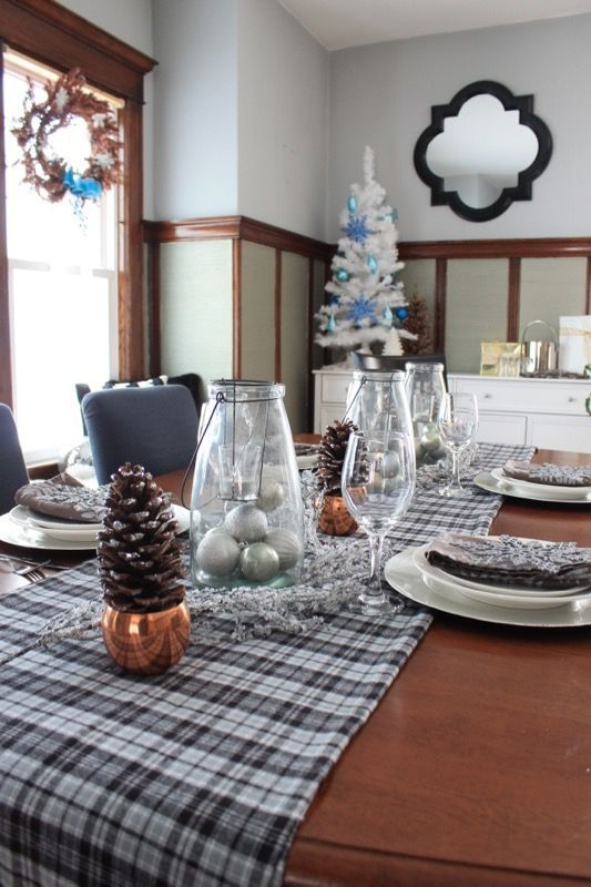Simple and Sparkly Holiday Tablescape Create a glamorous look for all your holiday events with these ideas for a simple and sparkly holiday table setting at