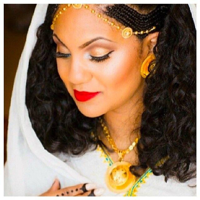 Pin By Fefe Kere On Habesha Bride Ethiopian Beauty Ethiopian Women African Wedding Dress