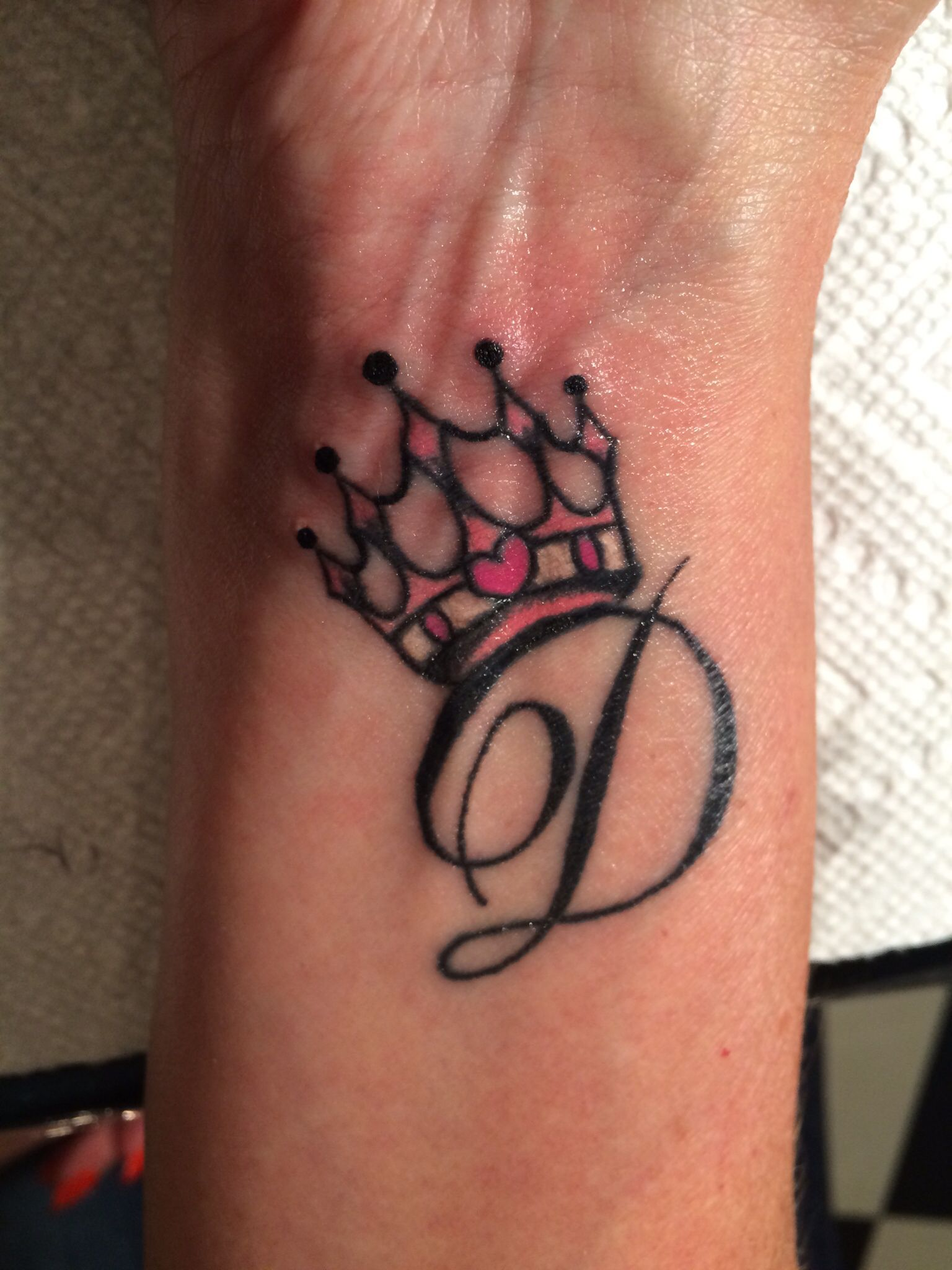 d905ee084 My new princess crown initial tattoo !! | Tatoos | Heart tattoos ...