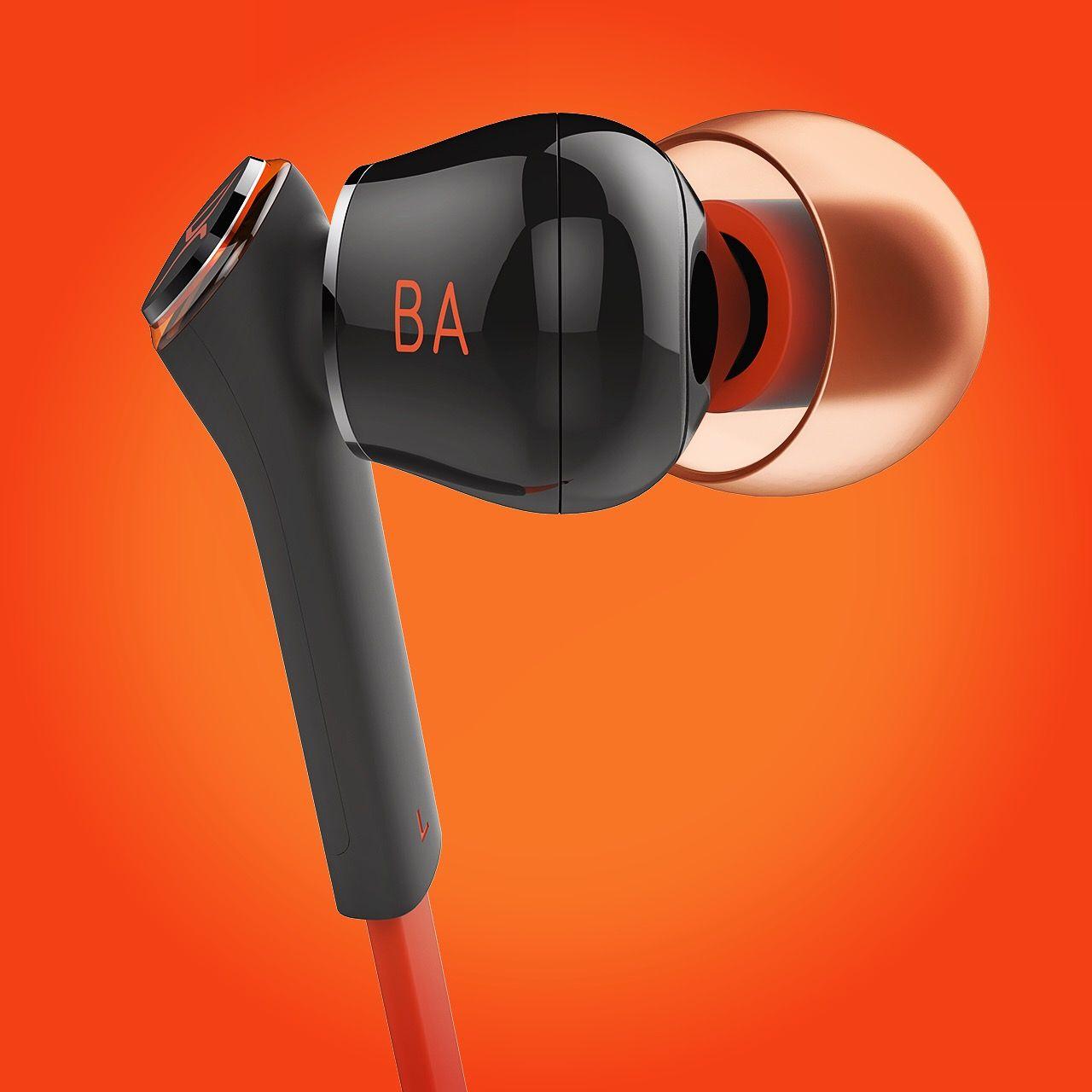 Balanced amature unit earphone designed by realdesign