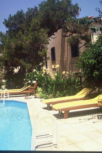 Villa Kynthia charming hotel in Panormo Rethymnon - Services - Breakfast, Dinner, Pool, and Coffe Bar