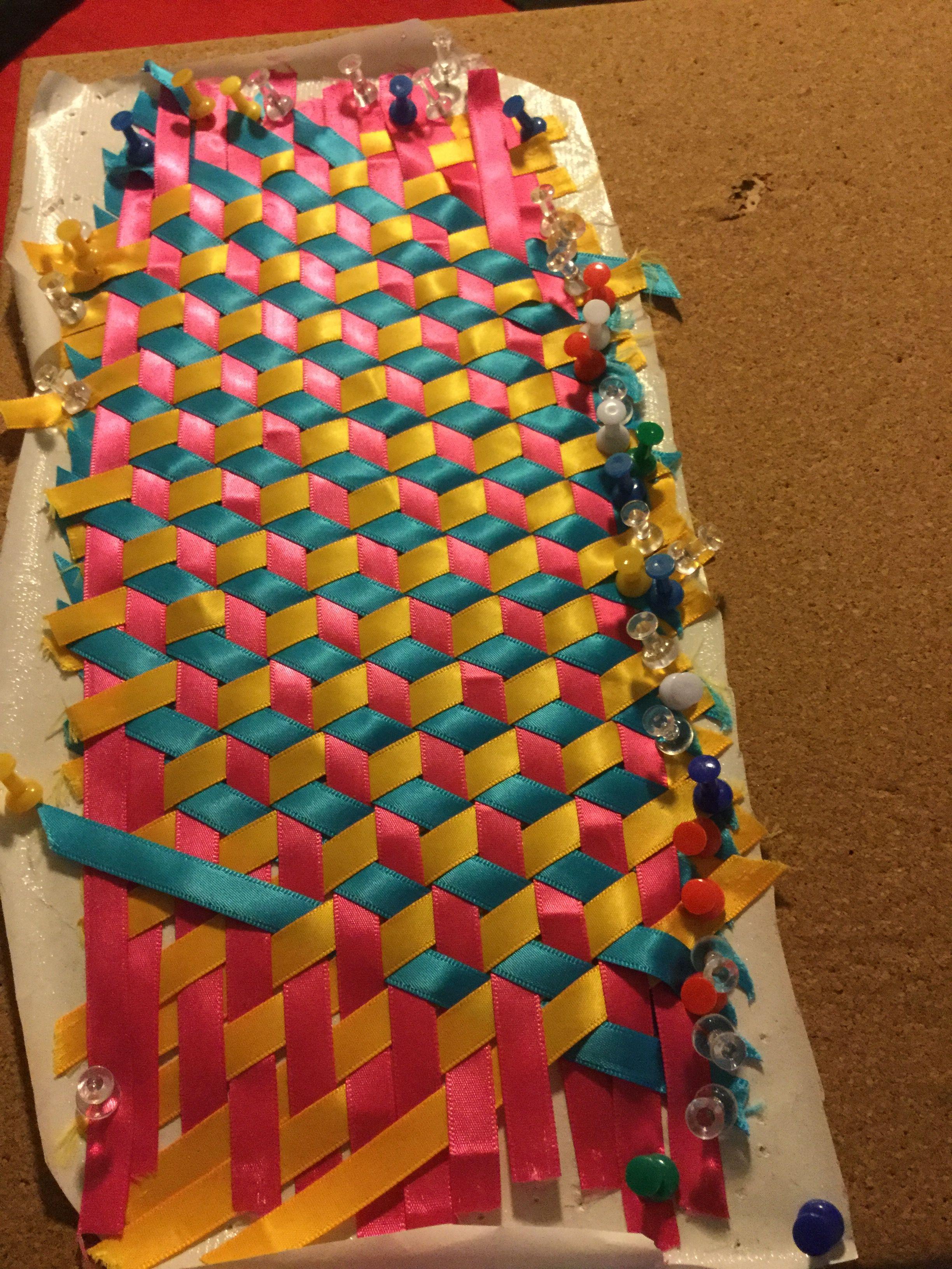 Triaxial Weaving project | Cojines | Pinterest | Flechten, Weben und ...