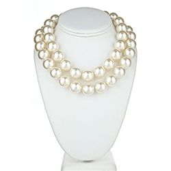 Chunky pearl necklace, a necessity for every girls wardrobe. #Statement #Pearl $24