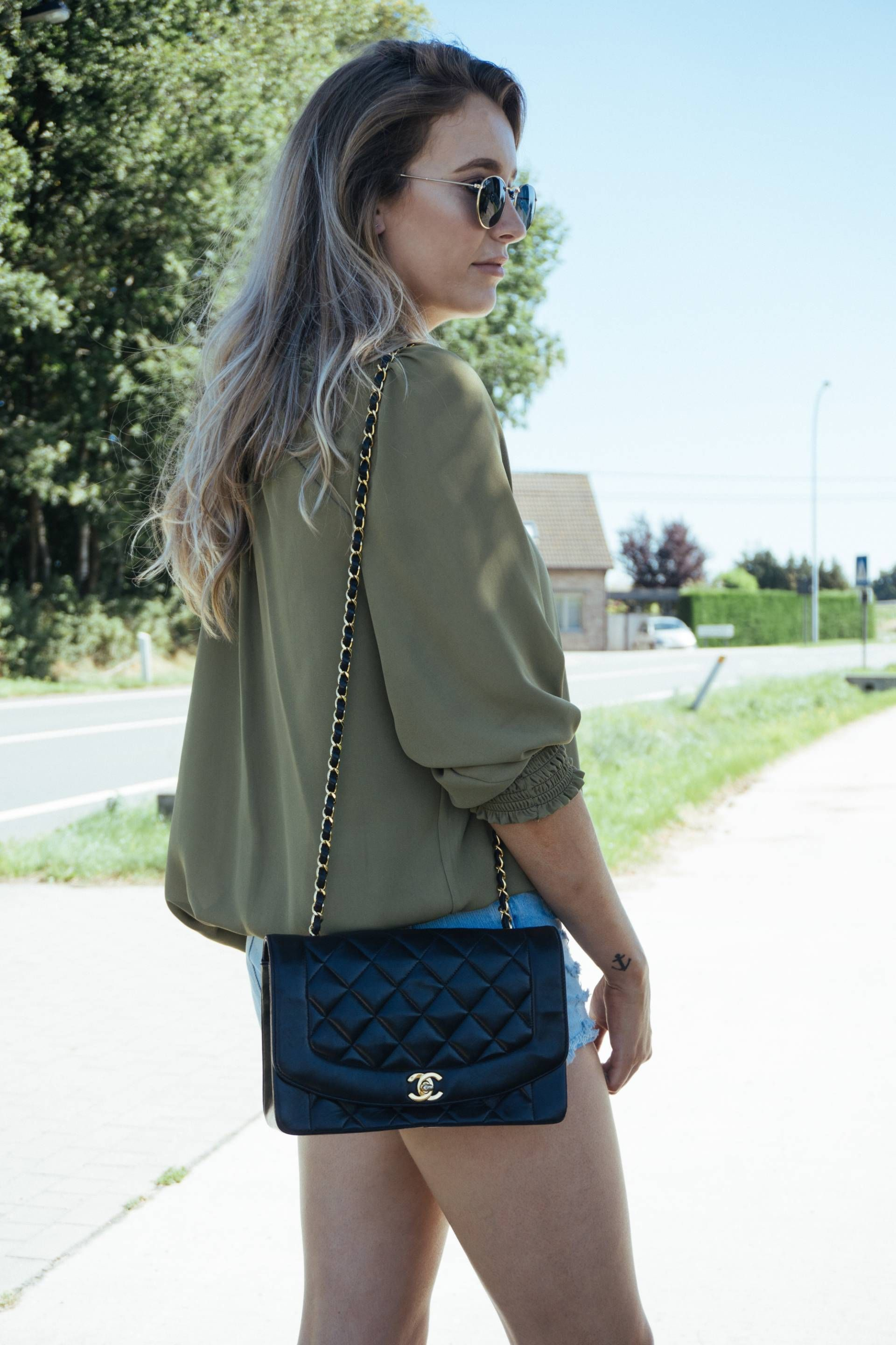 5d3142dc5a96 Outfit: Chanel Diana Bag | fashion in 2019 | Vintage chanel, Chanel ...
