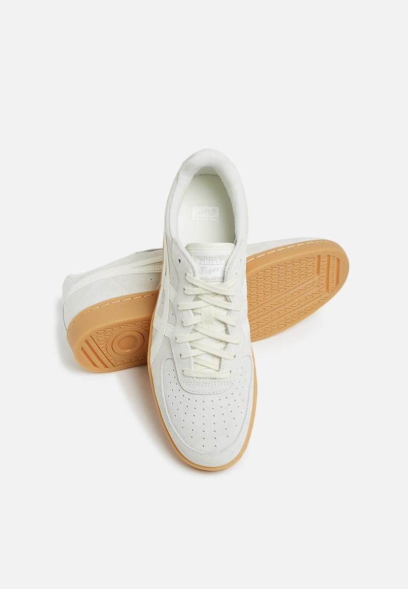 Everyday shoes, Sneakers