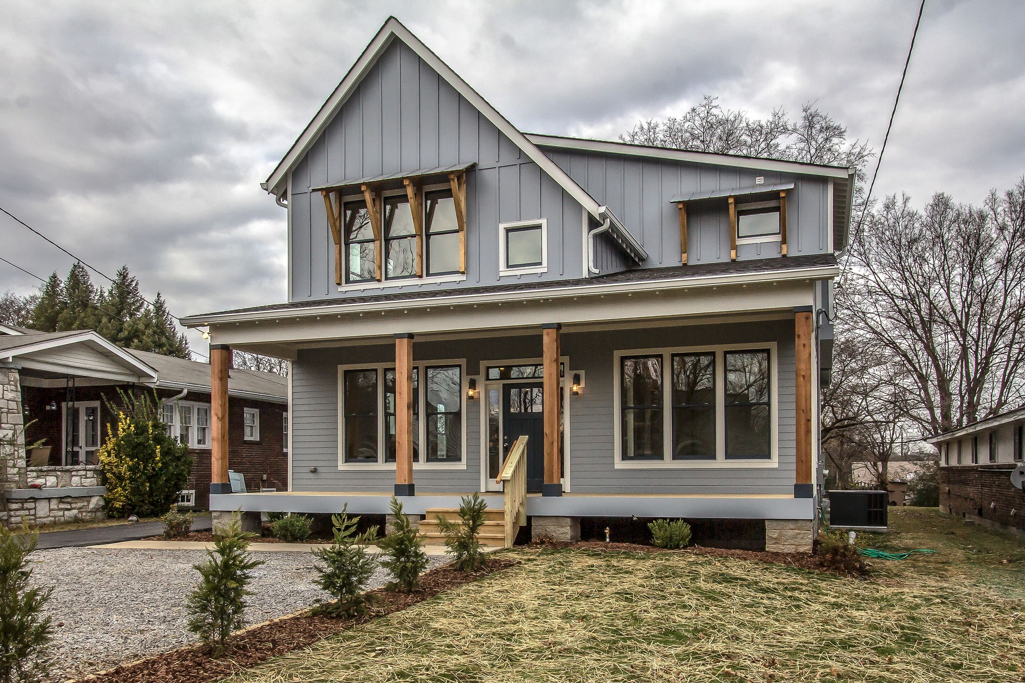 Urban Farmhouse Exterior | Urban farmhouse, House and Building ideas for Urban Farmhouse Architecture  157uhy