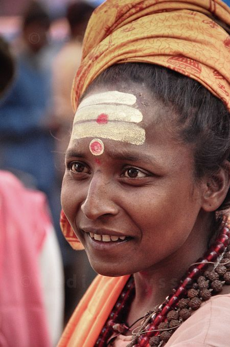 Here are some images that I took at the Kumbha Mela of these Hindu nuns – gurus and anchorites, a small photographic insight into the world of women and the monastic path.