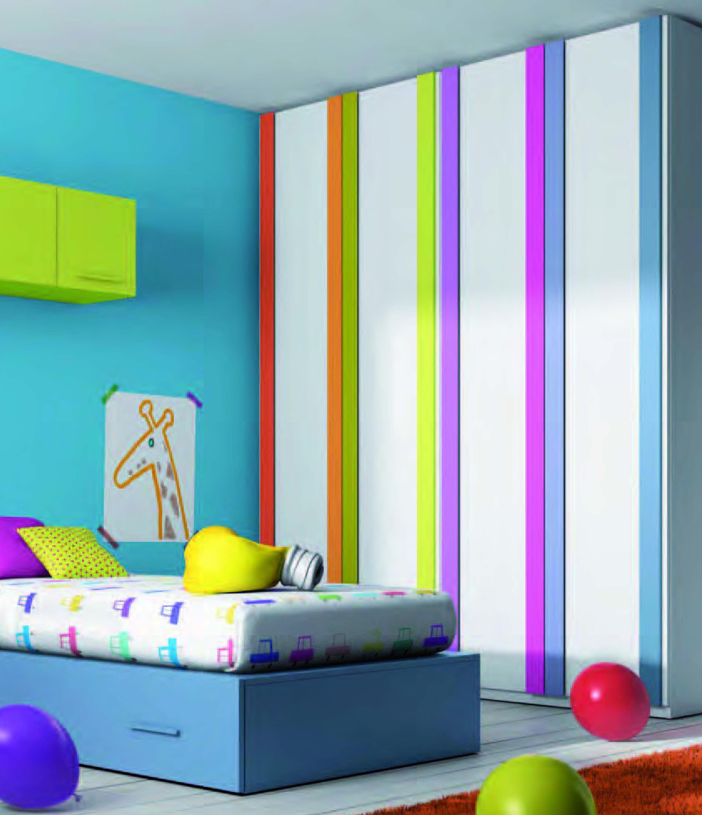 Armario con bandas de colores para dormitorios infantiles for Armarios juveniles