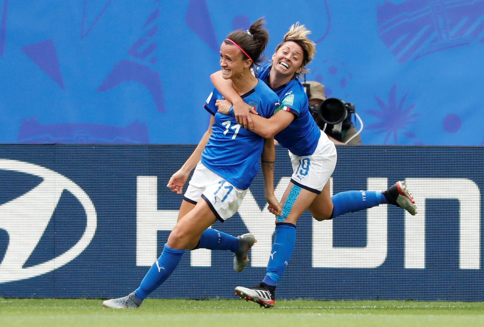 Italy Stuns Australia At Women S World Cup With Last Minute Winner World Cup World Cup Match Classic Football Shirts