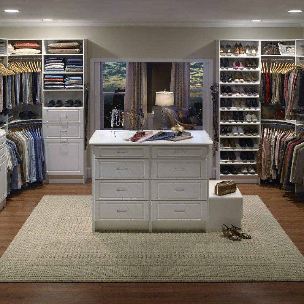 How To Maximize A Walk In Closet Bedroom Closet Design Master