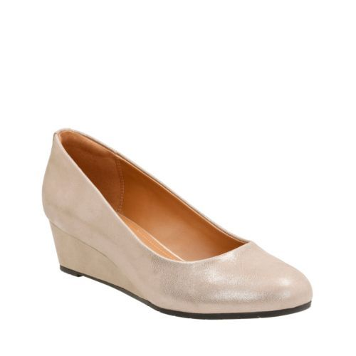 Vendra Bloom Champagne Metallic Leather womens-wide-width