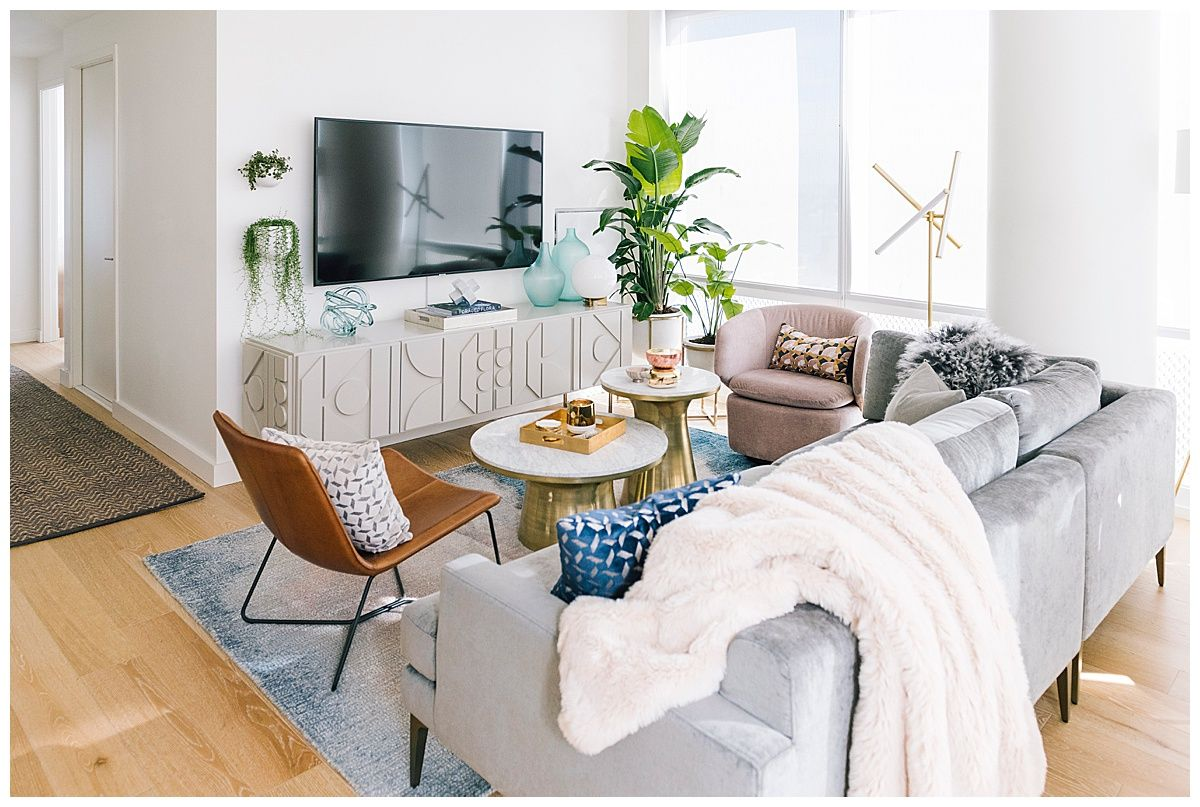 Nyc Apartment Tour Welcome To Olivia Rink Nyc Apartment Decorating Nyc Apartment Apartment Living Room
