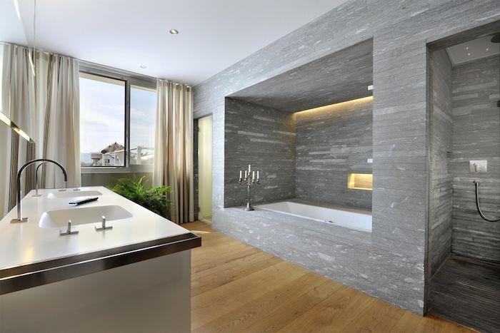 schöne bäder, bad mit eingebauter badewanne und boden aus holz - dekoration für badezimmer