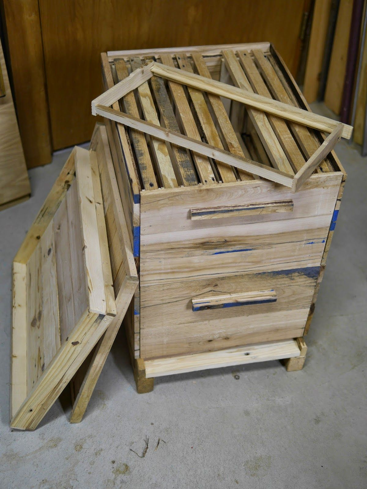 Adventures Down Under How to Make a Beehive from Pallets