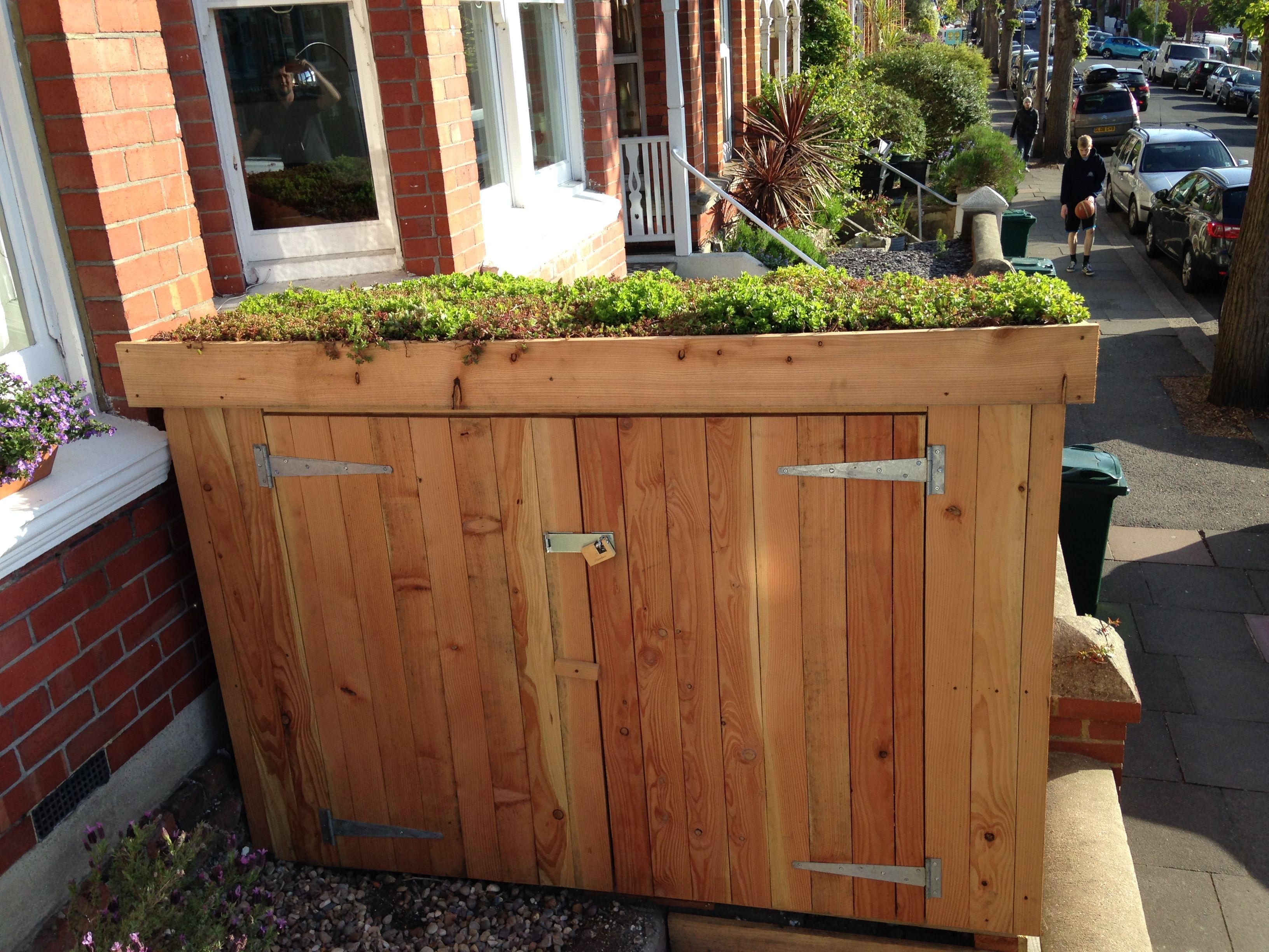 Classic Bike Shed With Sedum Roof Bike Shed Garden