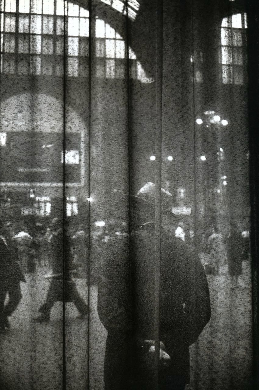 Louis Stettner - Central Waiting Hall, 1958  From Penn Station Series