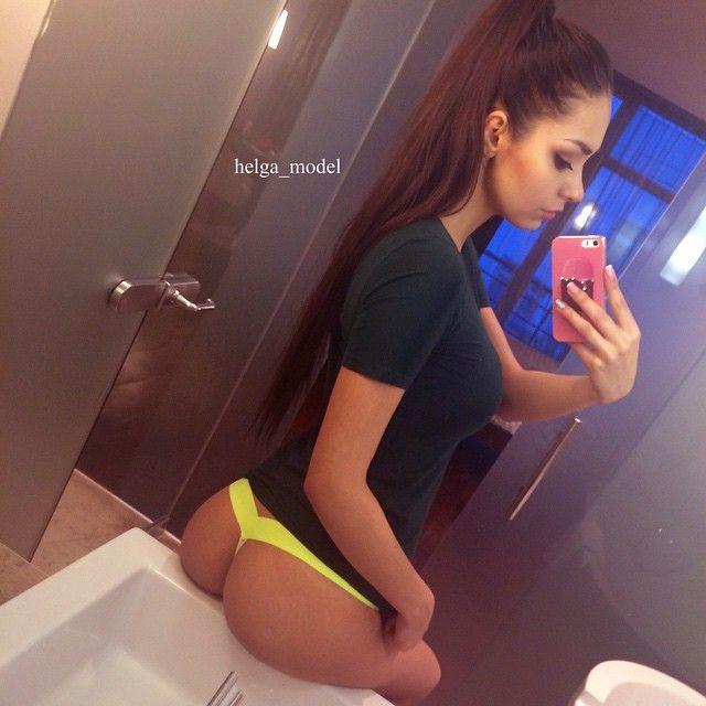 selfie Over the shoulder thong