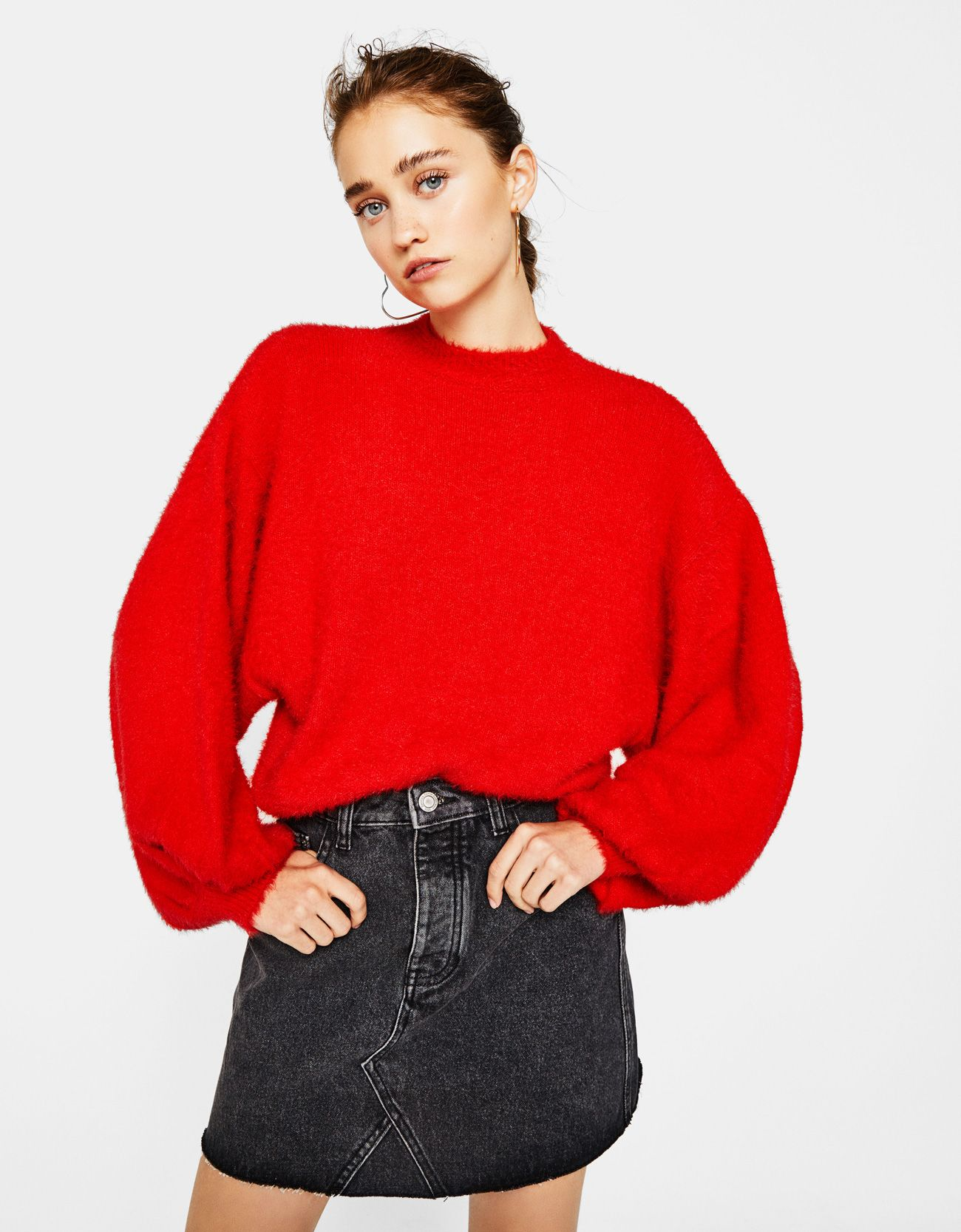 Fluffy sweater with puffy sleeves. Discover this and many more ...