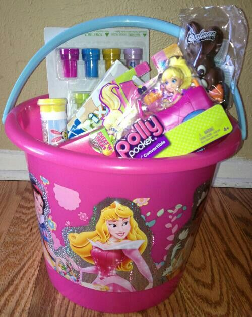 I did so good on my daughter's #easterbasket this year! She loved the big princess bucket. Stamps, M, puzzle, skittles, polly pocket, chocolate bunny & of course eggs at the bottom! (: