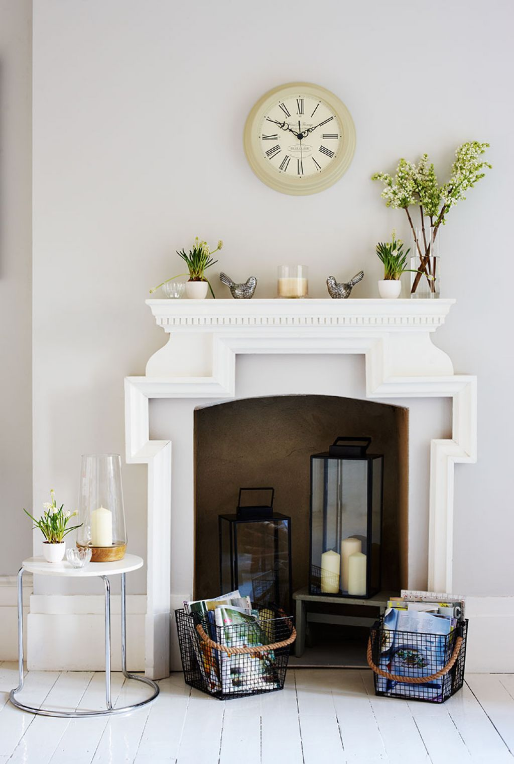 Non Working Fireplace With Lanterns And Accessories | Living rooms ...
