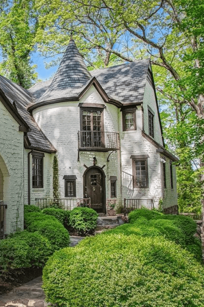1925 Tudor Revival For Sale In Roanoke Virginia In 2020 Castle House Historic Homes Tudor Style Homes