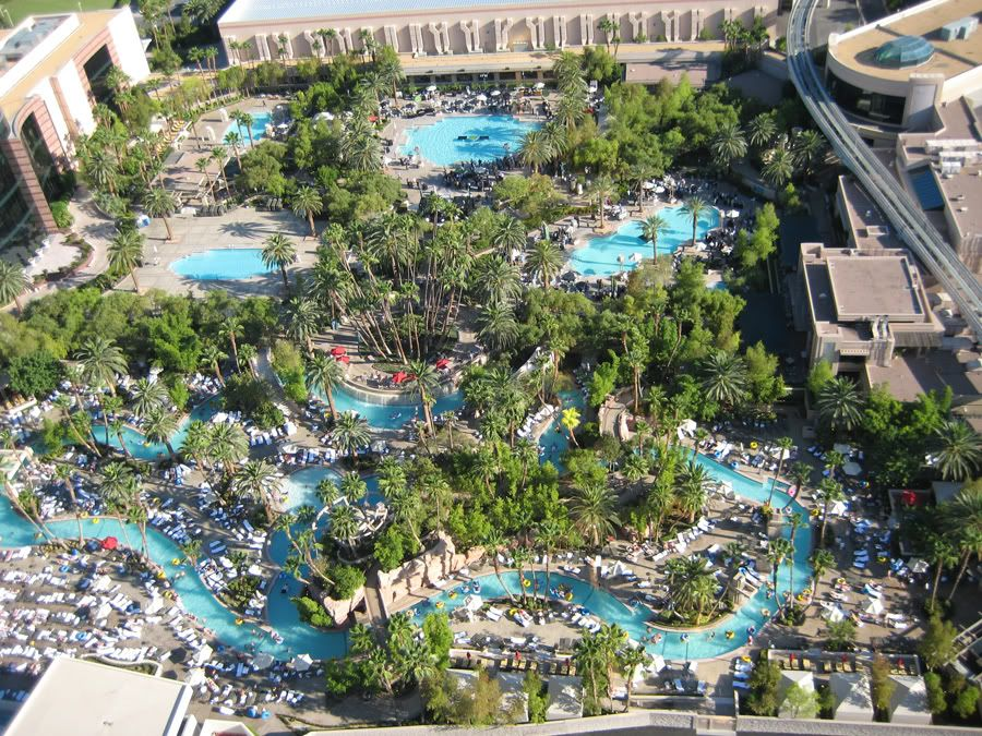 God I Miss Wt Sundays At The Mgm Grand Lazy River Favorite Places Spaces Pinterest Lazy