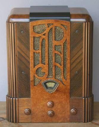 """Stewart Warner Art Deco Radio """"Prado"""" (1933)"""