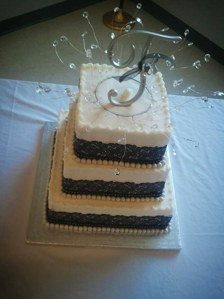 Look at that lace detail on the cake fligners in lorain oh my look at that lace detail on the cake fligners in lorain oh junglespirit Images