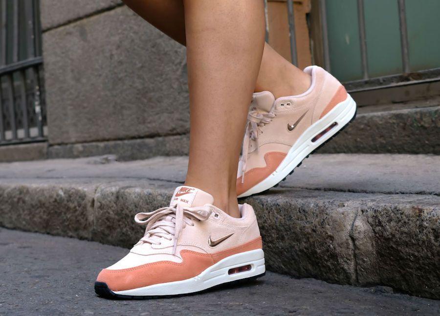 27f0cfc53037 Nike Air Max 1