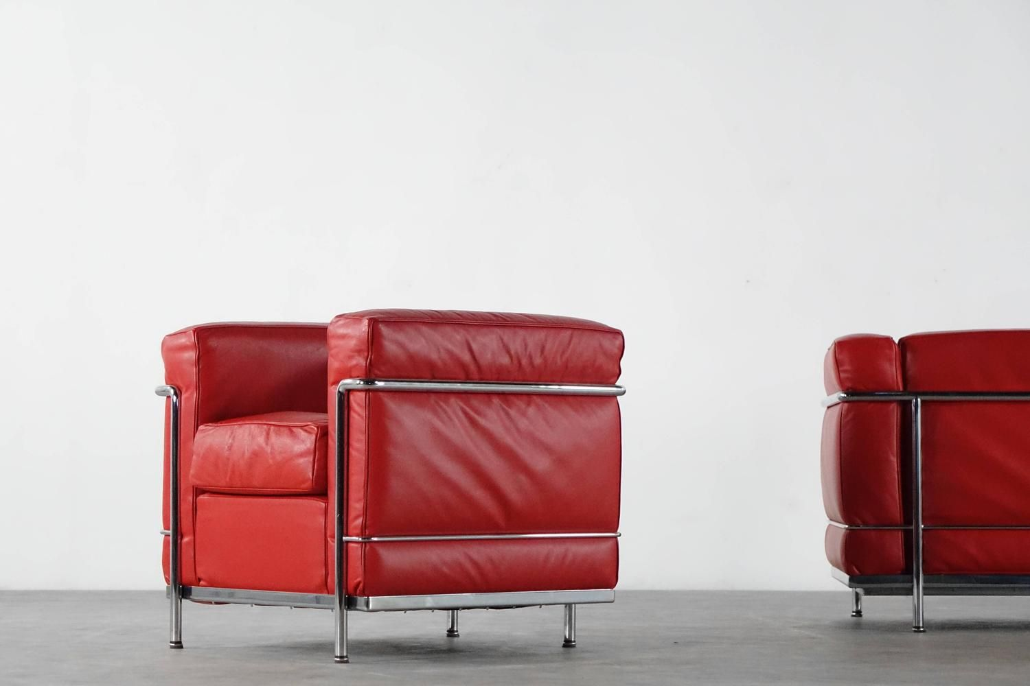 Le corbusier furniture celebrate le corbusier top 5 most famous works - Cassina Lc2 Sofa Le Corbusier P Jeanneret Ch Perriand Two Seater