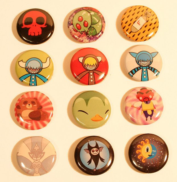 agiagi pin button design by nakanari, via Flickr
