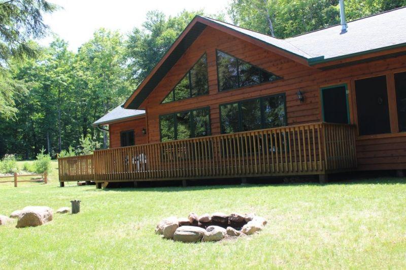 Adventure Rentals Kentuck Lake House Eagle River Wi Vacation Rentals Rentwisconsincabins Com Wisconsin Cabin Rentals Lake House Cabins In Wisconsin