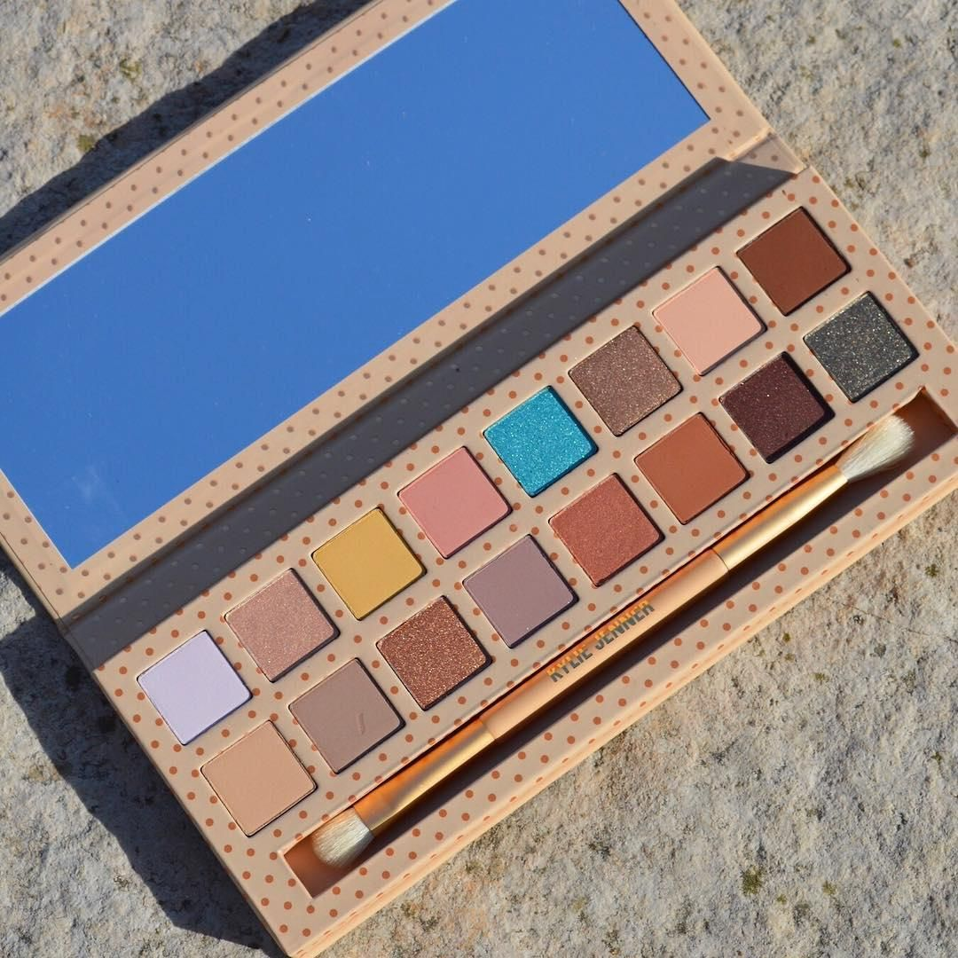 Going On A Vacation Kylie Cosmetics Eyeshadow Makeup Lover