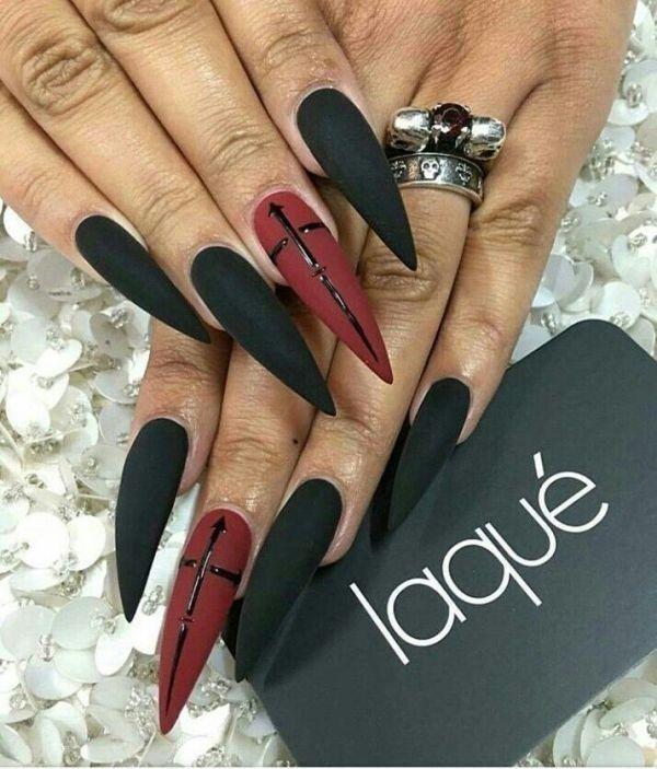 89+ Seriously Spooky Halloween Nail Art Ideas | Goth nails ...