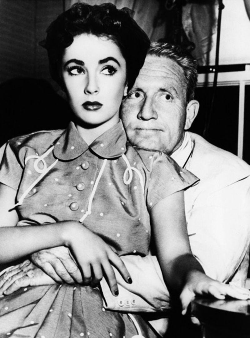 """Elizabeth Taylor y Spencer Tracy en """"El padre es abuelo"""", 1951"""
