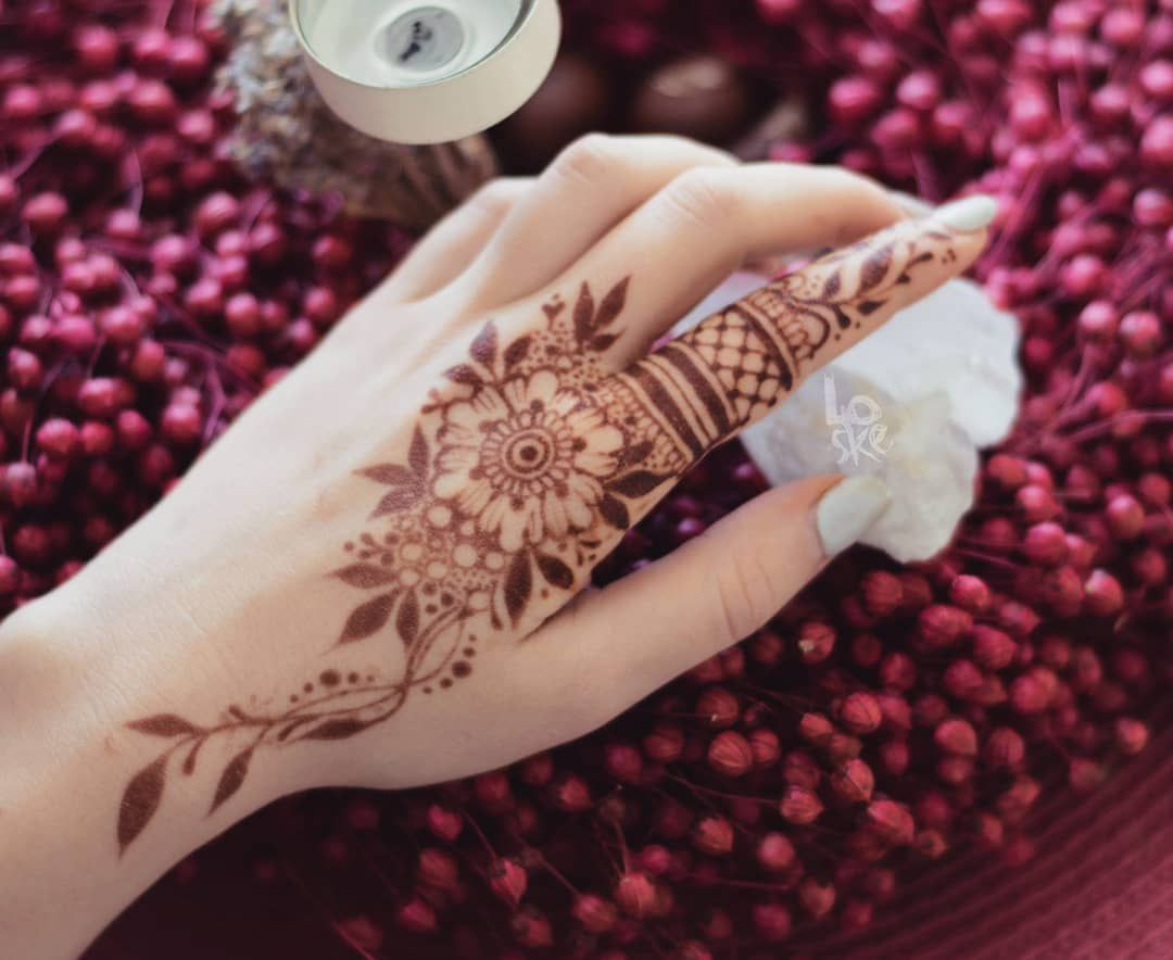 Cute Mehndi Arabic Mehndi Designs For Back Side Of Hand