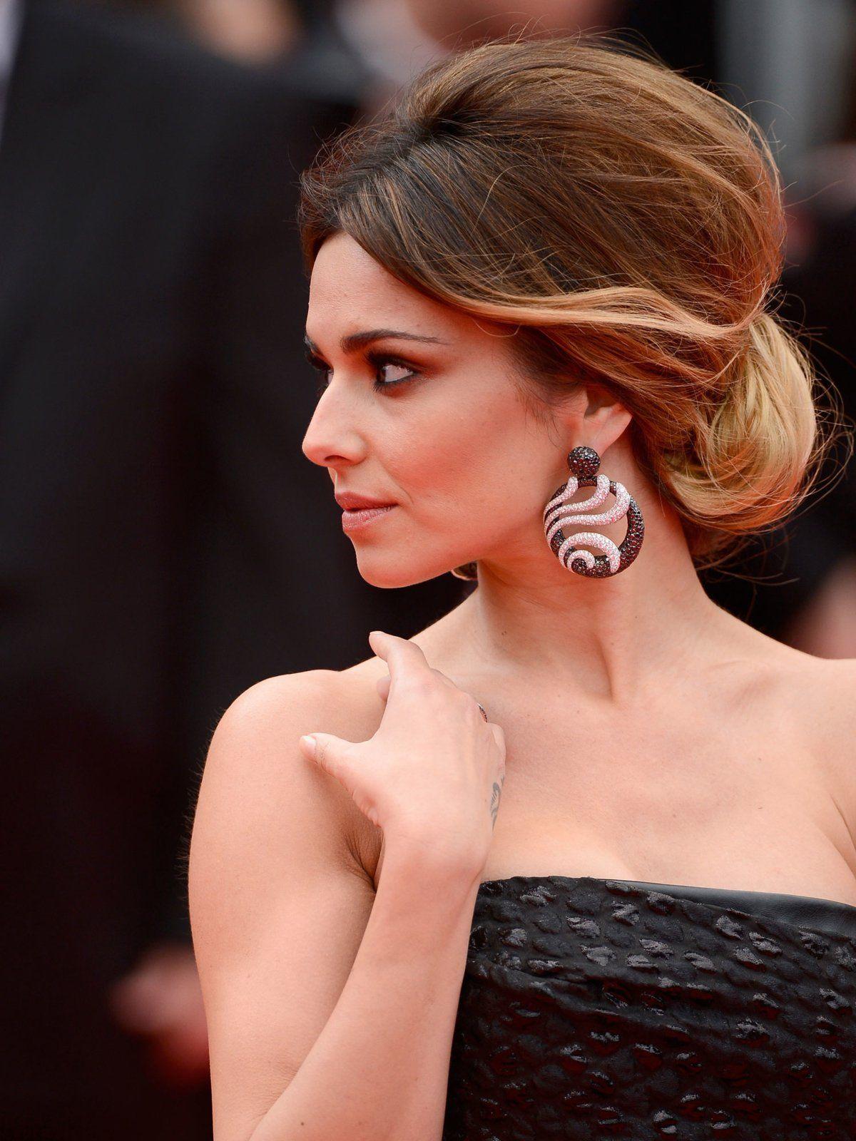 Antoupierte Hochsteckfrisur Bilder Jolie Klassische Hochsteckfrisur Frisuren Klassische Hochsteckfrisur Frisur Hochgesteckt