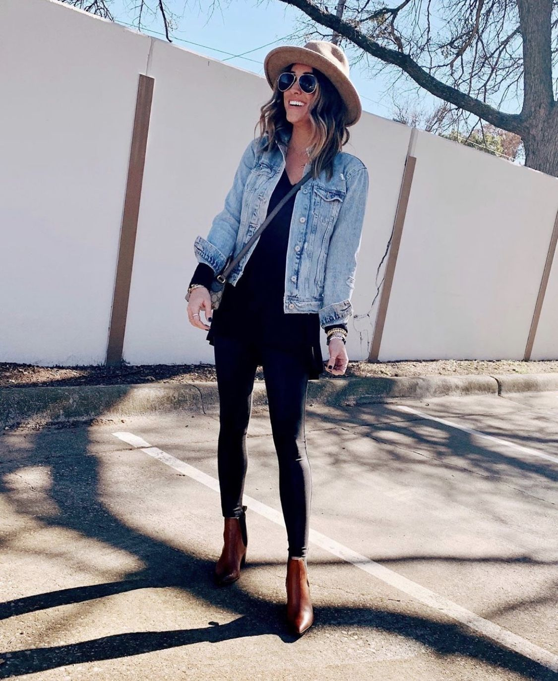 30 Ways To Style A Denim Jacket The Sister Studio Outfits With Hats Denim Jacket Outfit Fashion [ 1373 x 1125 Pixel ]