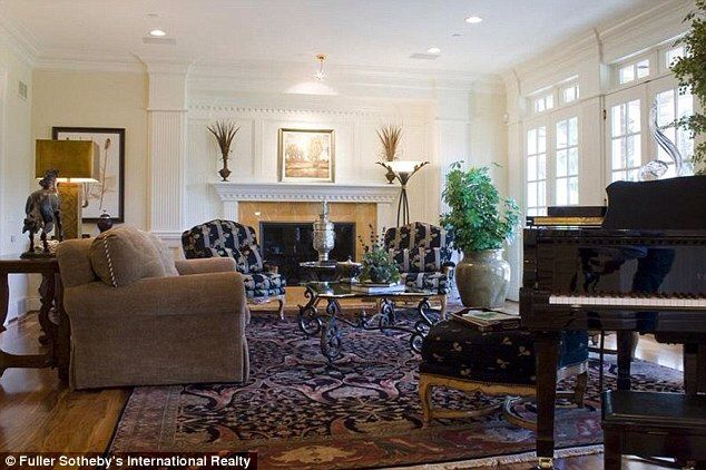 Tremendous Payton Mannings Home Celebrity Homes Boring Peyton Interior Design Ideas Clesiryabchikinfo