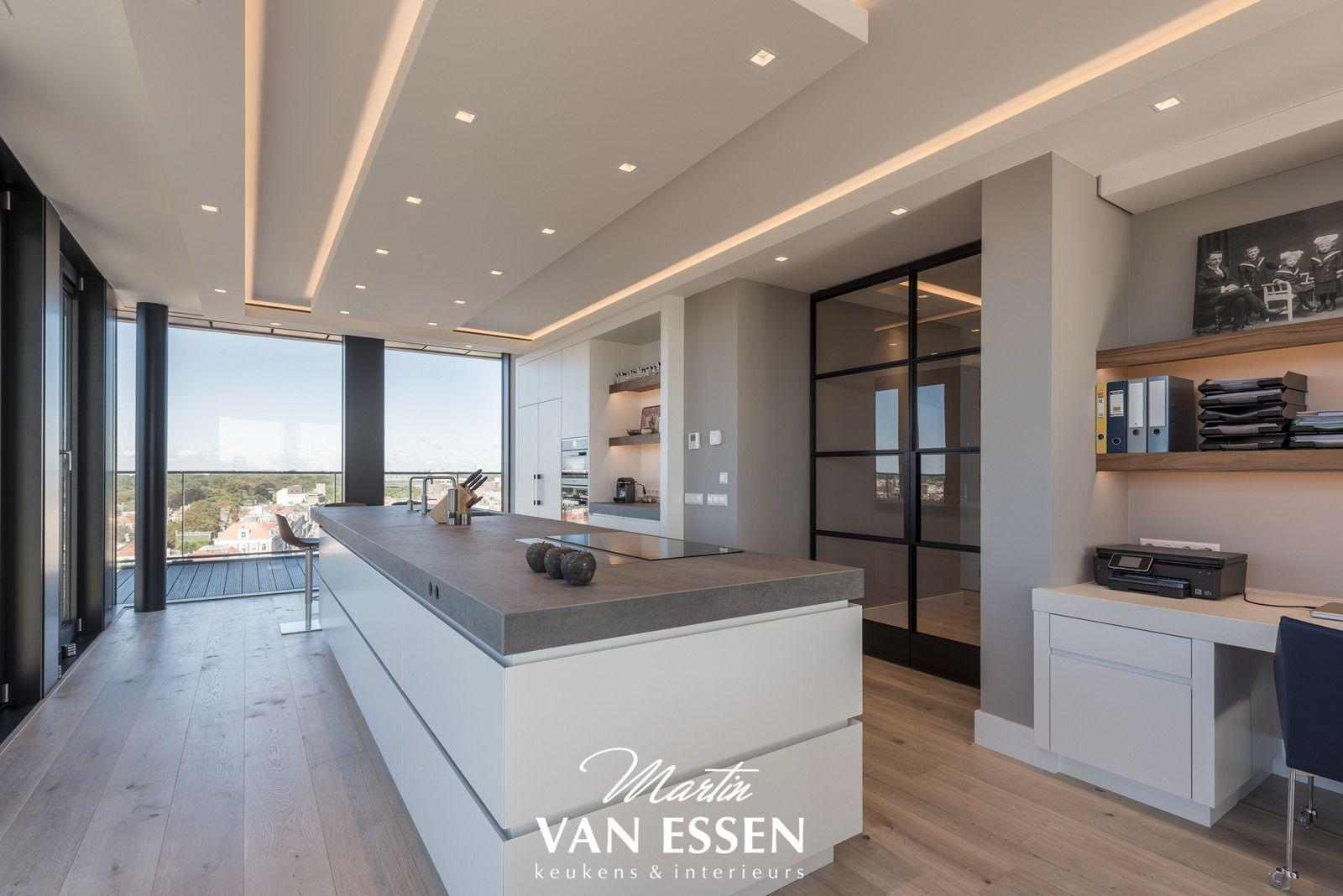 Voor een maatwerk moderne keuken bent u bij martin van essen aan