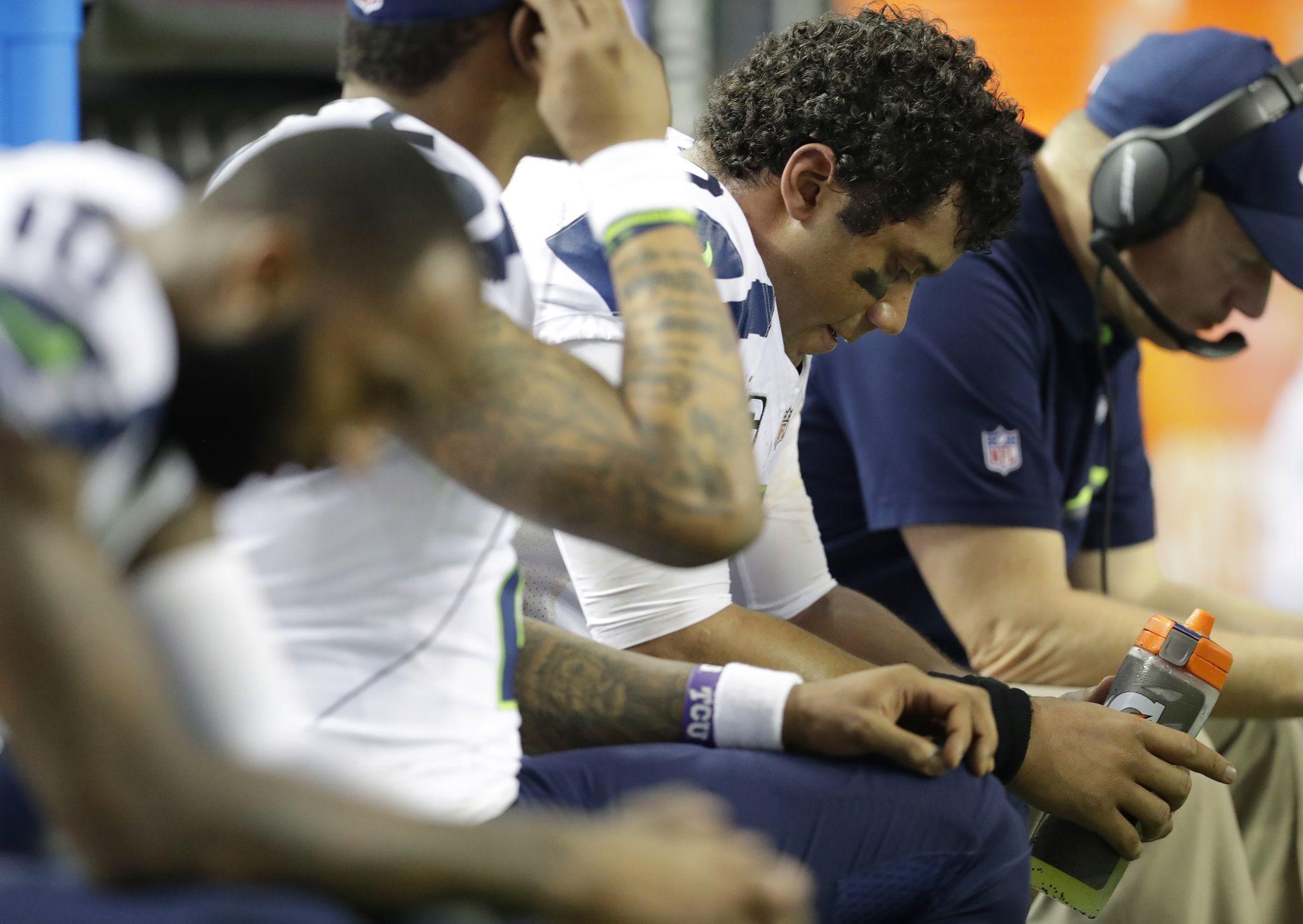 Injuries Penalty Shift Momentum In Atlanta Win Over Seahawks Seahawks Win Or Lose Atlanta
